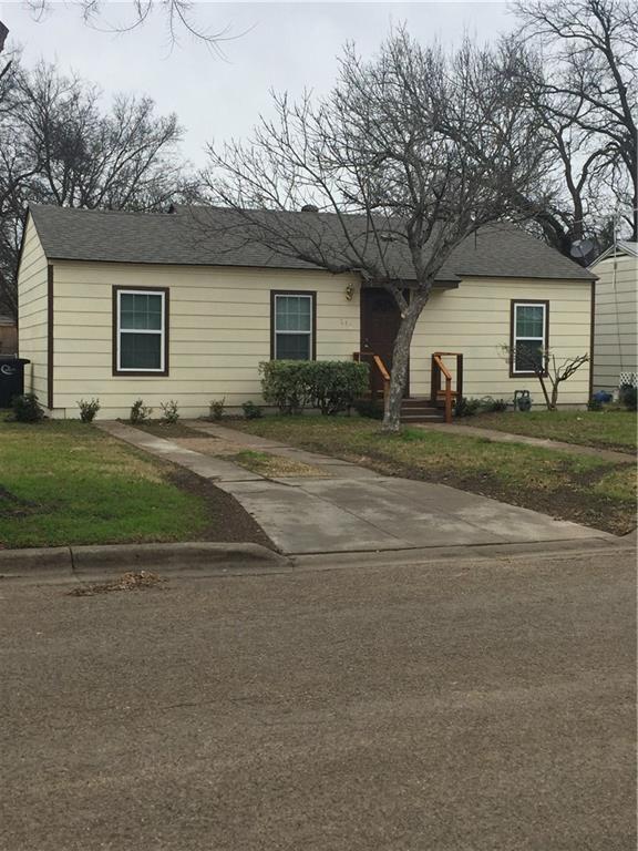 512 Turner Street, Cleburne, TX 76033 (MLS #13991294) :: The Heyl Group at Keller Williams