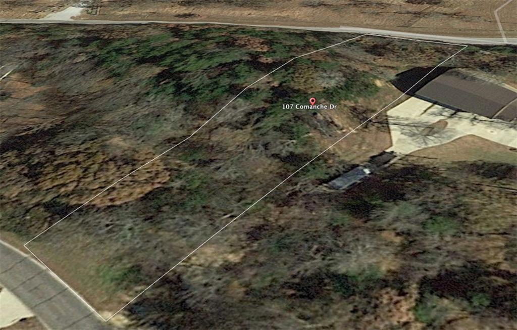 107 Comanche Drive - Photo 1