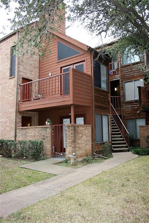2300 Bamboo Drive N210, Arlington, TX 76006 (MLS #14000643) :: The Rhodes Team