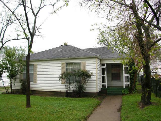 2118 Mountain Lake Road, Dallas, TX 75224 (MLS #14002481) :: Baldree Home Team