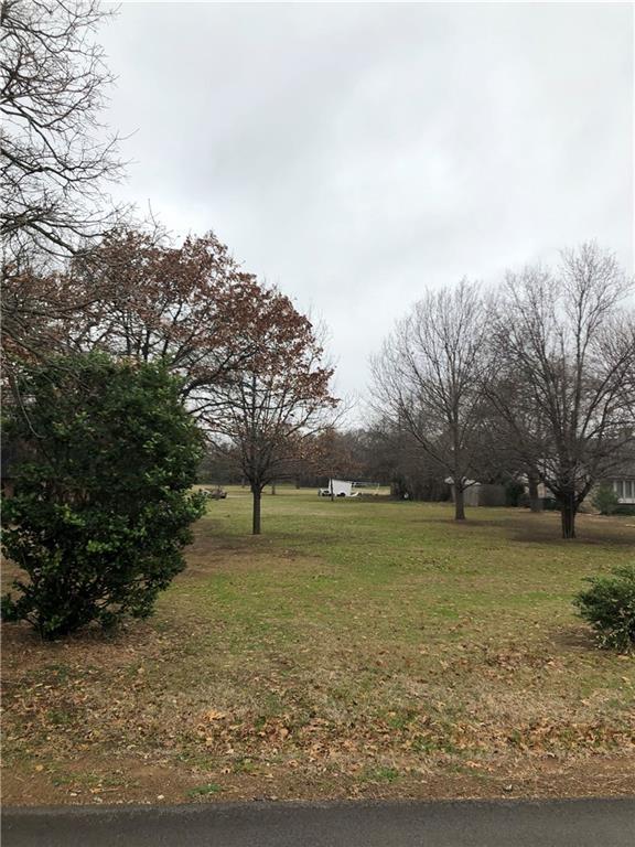 5312 Bama Drive, Arlington, TX 76017 (MLS #14004337) :: The Sarah Padgett Team