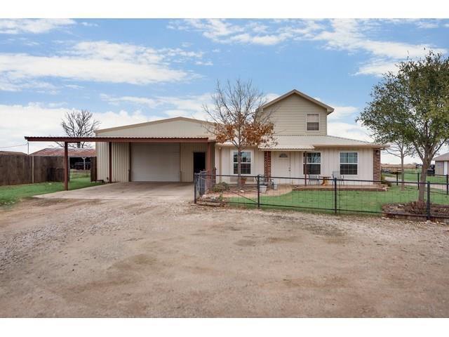 8022 Jackson Road, Krum, TX 76249 (MLS #14005440) :: Real Estate By Design