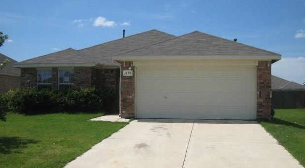 1236 Round Pen Run, Fort Worth, TX 76052 (MLS #14005552) :: Real Estate By Design