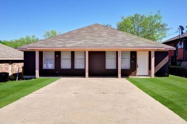 2962 Mckinley Avenue, Fort Worth, TX 76106 (MLS #14006455) :: NewHomePrograms.com LLC