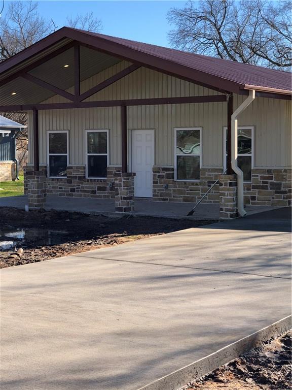 1109 W 13th, Bonham, TX 75418 (MLS #14007712) :: RE/MAX Town & Country