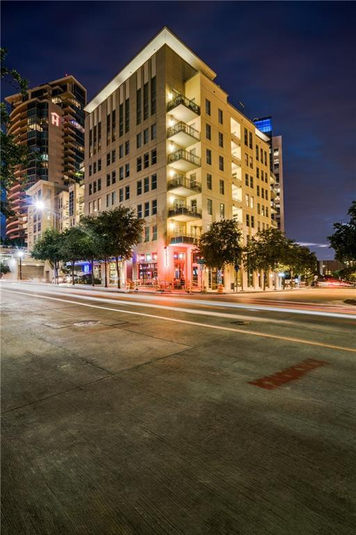 2323 N Houston Street #408, Dallas, TX 75219 (MLS #14008383) :: The Heyl Group at Keller Williams