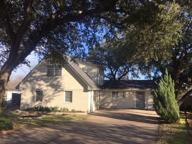 4205 Hale Court, Benbrook, TX 76116 (MLS #14012172) :: Potts Realty Group