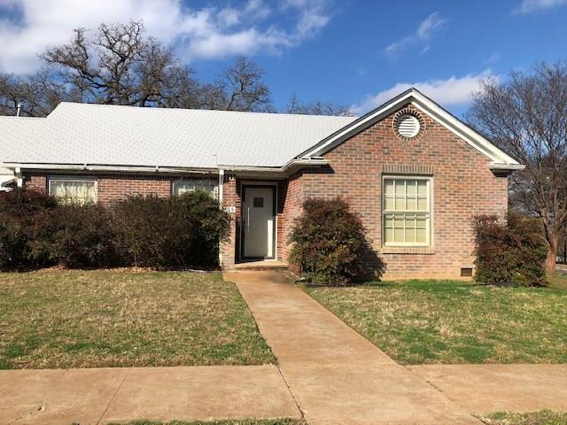 615 SE 20th Street, Mineral Wells, TX 76067 (MLS #14016252) :: Frankie Arthur Real Estate