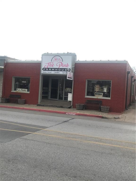 109 W Pearl Street, Granbury, TX 76048 (MLS #14018250) :: RE/MAX Town & Country
