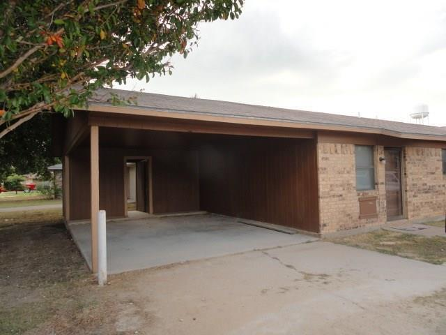 216 Field Street, Clyde, TX 79510 (MLS #14018816) :: The Paula Jones Team | RE/MAX of Abilene