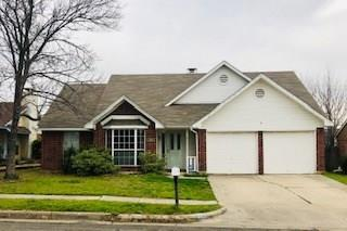 1411 Caplin Drive, Arlington, TX 76018 (MLS #14020273) :: Kimberly Davis & Associates