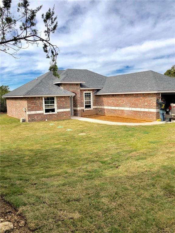 5802 Stonegate Circle, Granbury, TX 76048 (MLS #14023622) :: Frankie Arthur Real Estate