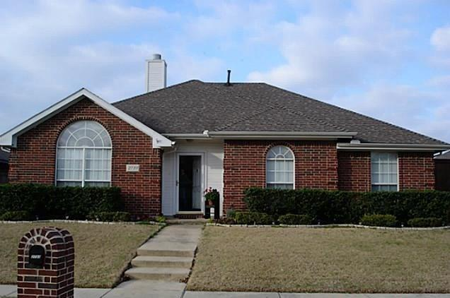 2733 Hyacinth Drive, Mesquite, TX 75181 (MLS #14024197) :: The Hornburg Real Estate Group