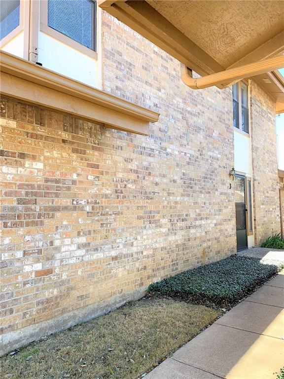 3 Cedar Lane, Bedford, TX 76021 (MLS #14030390) :: The Heyl Group at Keller Williams