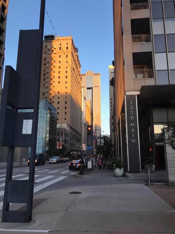 1200 Main Street #2608, Dallas, TX 75202 (MLS #14036223) :: Team Hodnett