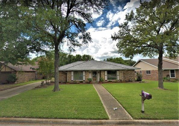 1313 Chestnut Road, Mansfield, TX 76063 (MLS #14042126) :: The Paula Jones Team | RE/MAX of Abilene