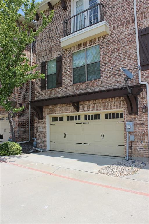 2104 Azure Pointe, Richardson, TX 75080 (MLS #14042332) :: Baldree Home Team