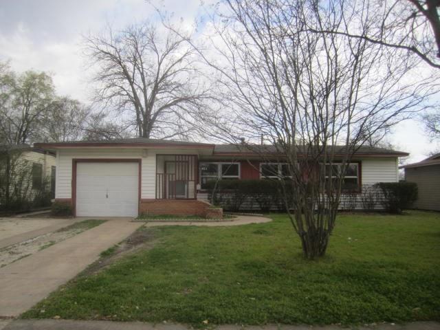 11821 Dorchester Drive, Dallas, TX 75218 (MLS #14049586) :: RE/MAX Landmark