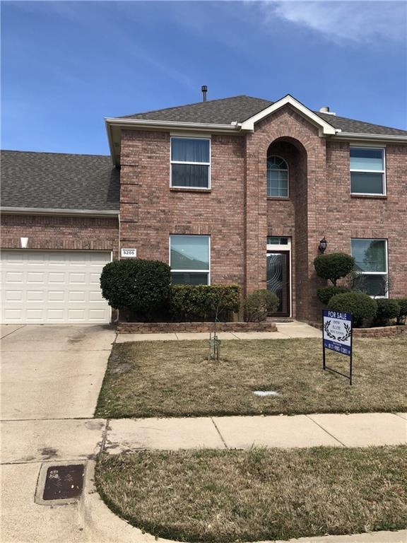 5205 Bellis Drive, Fort Worth, TX 76244 (MLS #14049835) :: Real Estate By Design