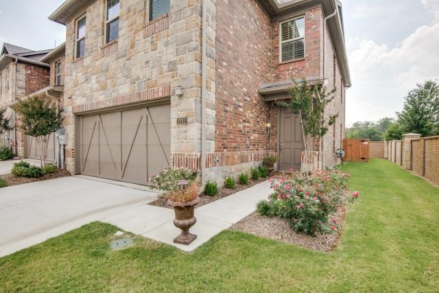 2241 Salado Drive, Lewisville, TX 75067 (MLS #14049856) :: RE/MAX Town & Country