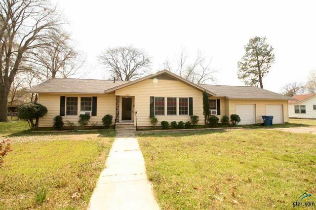 1206 Lamar, Mount Pleasant, TX 75455 (MLS #14051225) :: RE/MAX Landmark
