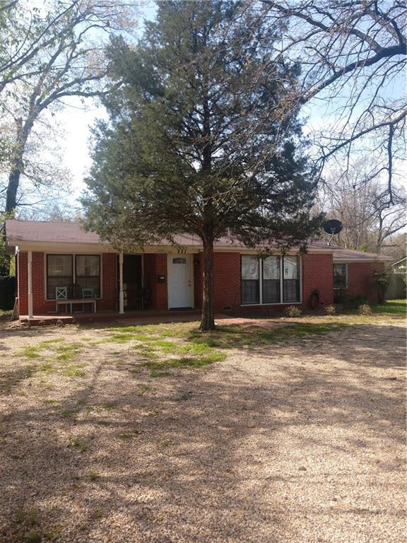 111 W Cayuga, Athens, TX 75751 (MLS #14051413) :: Kimberly Davis & Associates