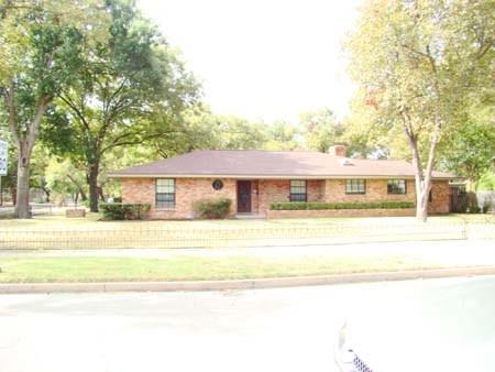 801 N Preston Street, Ennis, TX 75119 (MLS #14058291) :: The Heyl Group at Keller Williams