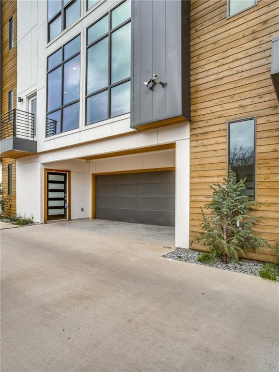 2307 N Carroll Avenue #2, Dallas, TX 75204 (MLS #14060299) :: RE/MAX Town & Country