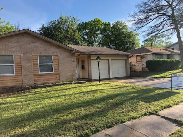 1204 E Timberview Lane, Arlington, TX 76014 (MLS #14066212) :: RE/MAX Town & Country