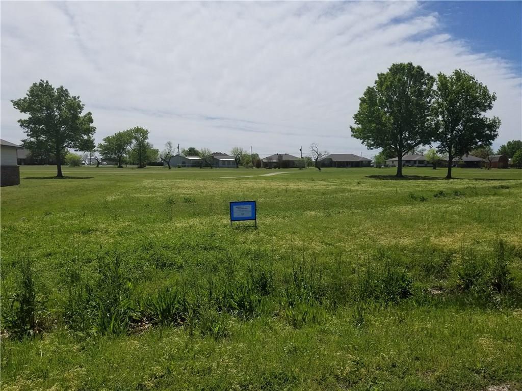 225 Lakeview Drive - Photo 1