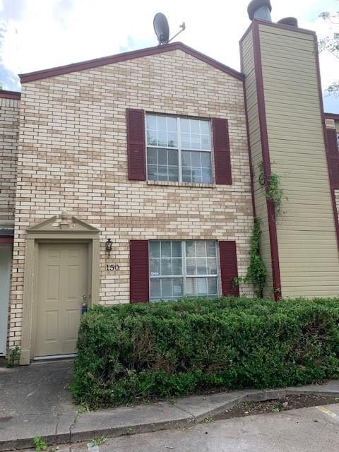 150 Austin Stone Drive, Duncanville, TX 75137 (MLS #14070531) :: Tenesha Lusk Realty Group