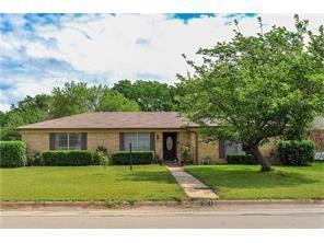 301 SE Gardens Boulevard, Burleson, TX 76028 (MLS #14071607) :: The Hornburg Real Estate Group
