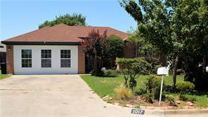 1017 Oakchase Court, Azle, TX 76020 (MLS #14071661) :: Team Hodnett