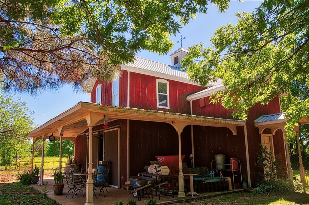 7468 Shady Oak Drive, Aubrey, TX 76227 (MLS #14076394) :: The Good Home Team