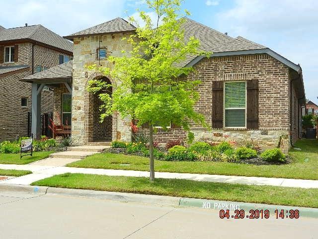 903 Crystal Oak Lane, Arlington, TX 76005 (MLS #14079045) :: Kimberly Davis & Associates