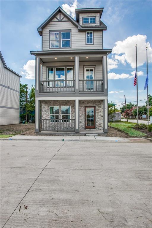 207 Lanyard Drive, Lewisville, TX 75057 (MLS #14081391) :: The Hornburg Real Estate Group