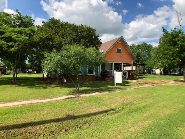 209 E Pace Street, Frost, TX 76641 (MLS #14083228) :: The Heyl Group at Keller Williams