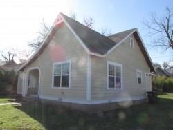207 W 7th Street, Brady, TX 76825 (MLS #14088180) :: NewHomePrograms.com LLC