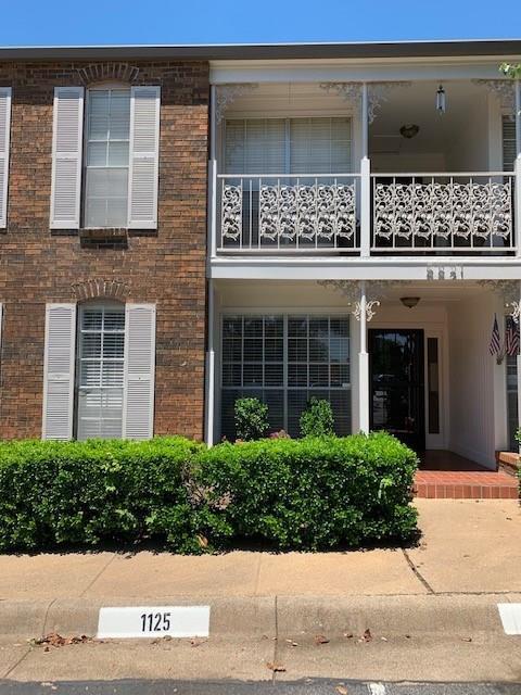 5821 Copperwood Lane #1125, Dallas, TX 75248 (MLS #14088520) :: Team Hodnett