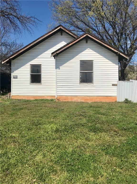 1402 32 Street, Wichita Falls, TX 76302 (MLS #14090214) :: RE/MAX Town & Country