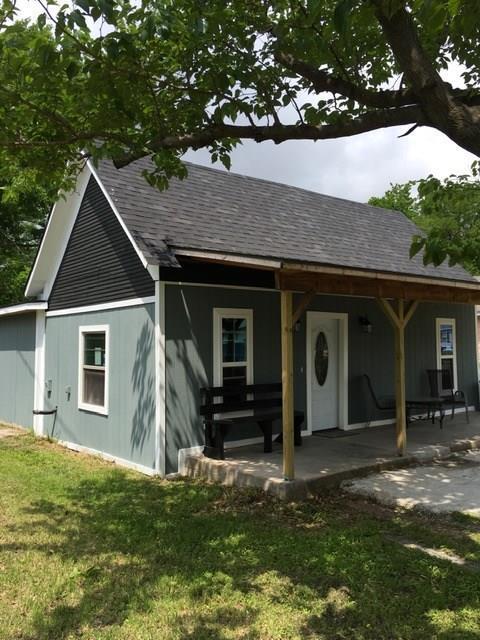 209 Elmo Street, Cleburne, TX 76031 (MLS #14093591) :: The Hornburg Real Estate Group
