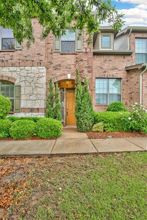 4213 Swan Forest Drive C, Carrollton, TX 75010 (MLS #14094401) :: RE/MAX Landmark