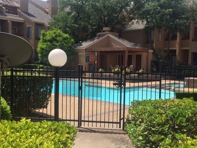 5550 Spring Valley H32, Dallas, TX 75254 (MLS #14094450) :: Camacho Homes