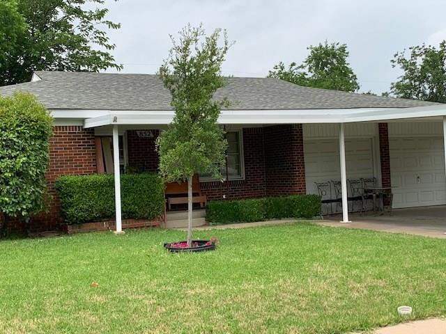 852 Odie Drive, White Settlement, TX 76108 (MLS #14095213) :: Kimberly Davis & Associates