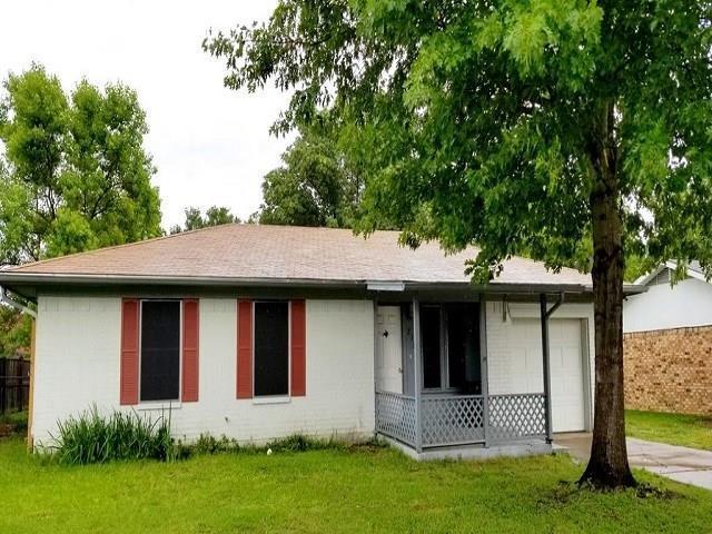 213 W Alene Drive, Mabank, TX 75147 (MLS #14095227) :: NewHomePrograms.com LLC