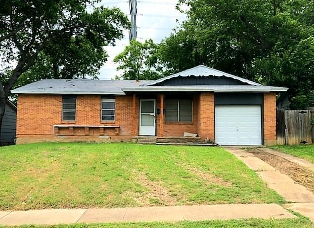 517 NW 22nd Street, Grand Prairie, TX 75050 (MLS #14095243) :: The Heyl Group at Keller Williams