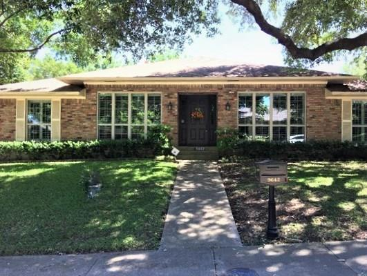 9642 Whitehurst Drive, Dallas, TX 75243 (MLS #14096838) :: HergGroup Dallas-Fort Worth