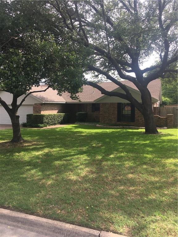 1005 Hyde Park Boulevard, Cleburne, TX 76033 (MLS #14098741) :: Kimberly Davis & Associates