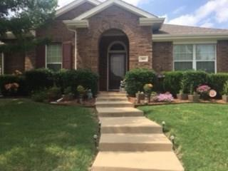 517 Magnolia Lane, Glenn Heights, TX 75154 (MLS #14099261) :: Robbins Real Estate Group
