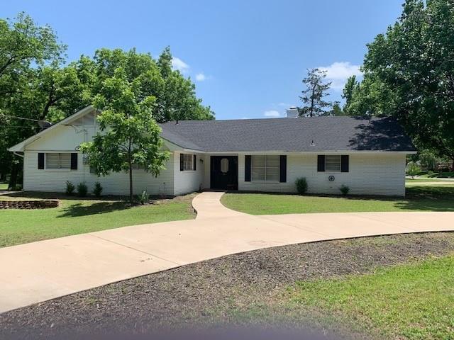 600 Edwards Drive, Denison, TX 75020 (MLS #14101937) :: The Real Estate Station